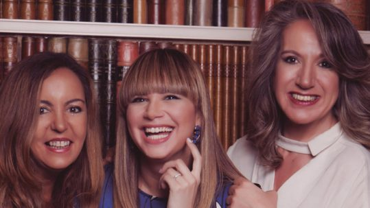 'Tres Damas con Marca'